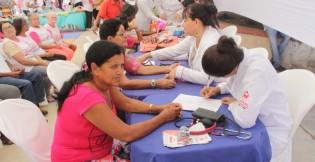Centenas de canoenses participam de atividades voltadas à saúde