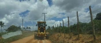 Prefeitura intensifica recuperação de estradas vicinais em Lagoa da Canoa