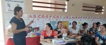 Comunidade escolar de Lagoa da Canoa participa de programa de Formação Continuada