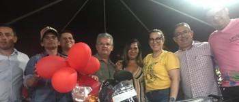 Mães de Lagoa da Canoa ganham festa e sorteio de veículo zero quilômetro